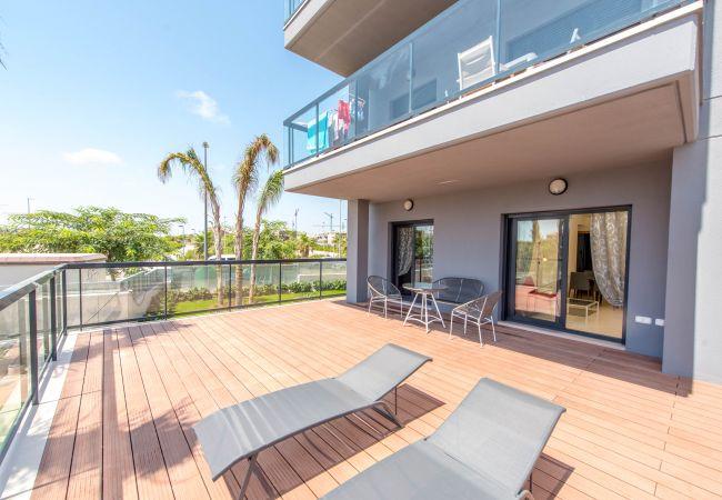 Апартаменты с террасой в 100 метрах от моря