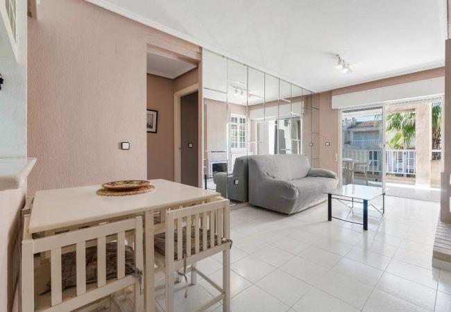Апартаменты на Торревьеха / Torrevieja - Fucsia LT